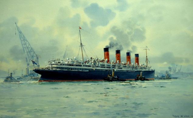 RMS MAURETANIA Berthing at Southampton
